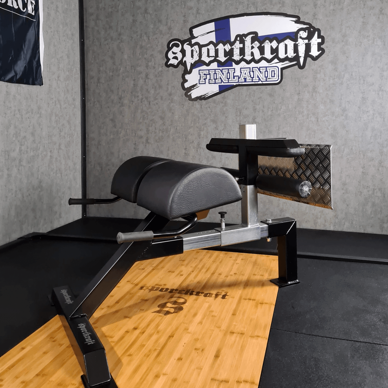 SportKraft-GHRGHD-ja-selkäpenkki.